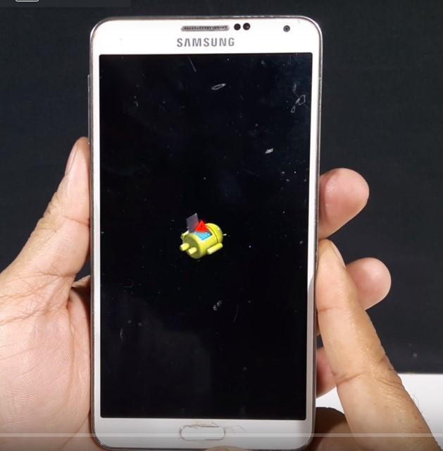 Samsung yazısı yanıp sönüyor telefon açılmıyor